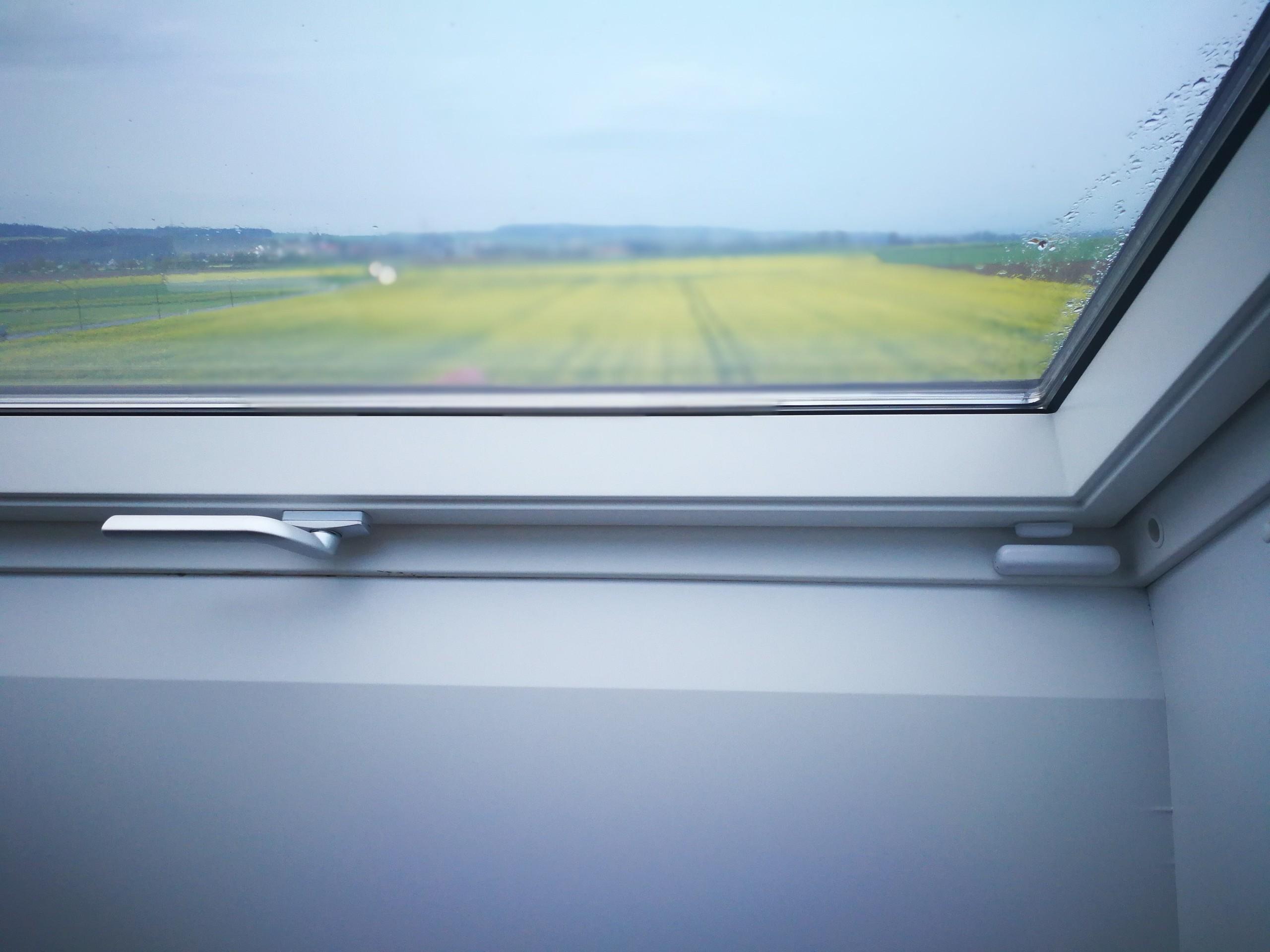 fensterkontakte velux dachfenster smart home welt. Black Bedroom Furniture Sets. Home Design Ideas